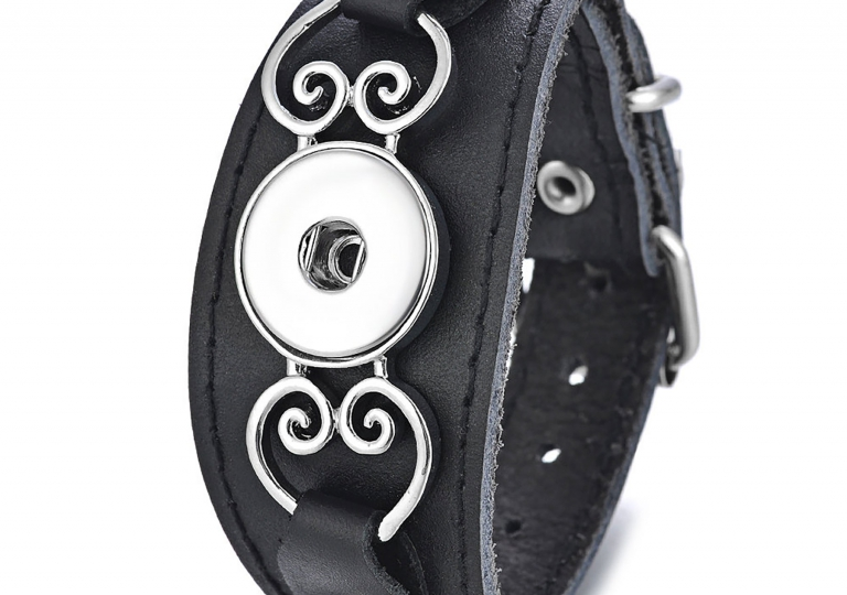 black-leather-heart-cuff