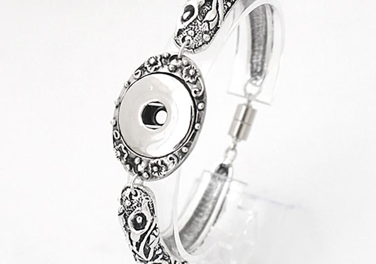 patterned-bracelet